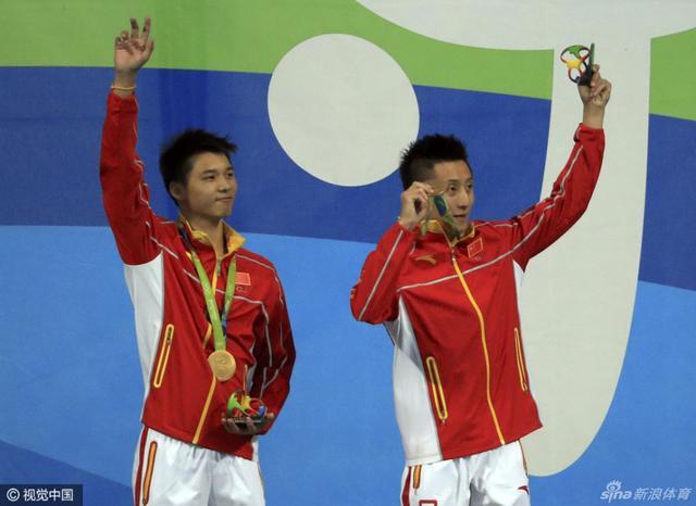 北京时间8月9日,陈艾森/林跃男子双人10米跳台夺金。