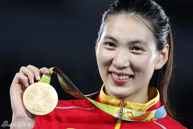 北京时间8月21日,在里约奥运会跆拳道女子67公斤以上级决赛中,中国选手郑姝音以5-1胜墨西哥选手埃斯皮诺萨,夺得金牌,这是中国跆拳道队在本届奥运会夺得的第二枚金牌。