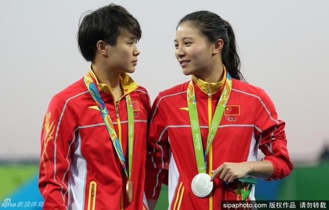 里约奥运会跳水女子3米板,中国选手施廷懋夺金。