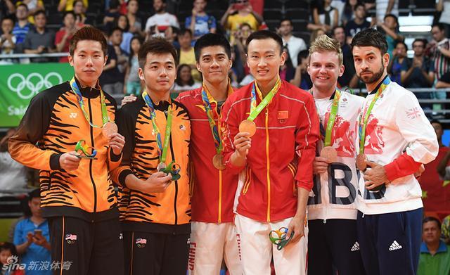 北京时间8月20日,羽毛球男子双打中国组合傅海峰/张楠夺金。