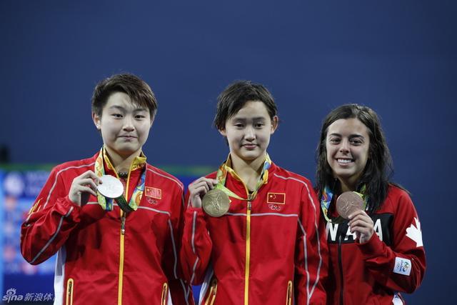 8月19日,里约奥运会跳水女子10米跳台决赛,中国选手任茜、司雅杰包揽冠亚军。新浪体育/李欣 摄