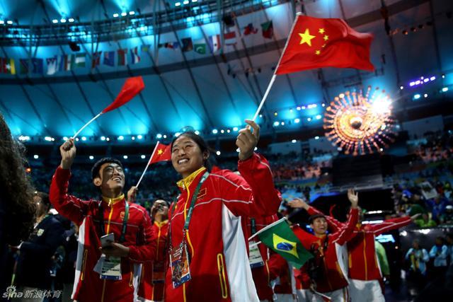 北京时间8月22日,里约奥运会闭幕式举行。中国代表团在闭幕式中出场。
