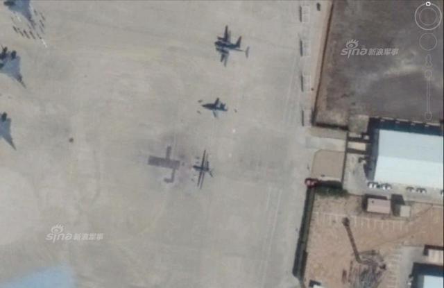 1月24日沙特利雅得阿卜杜勒-阿齐兹国王空军基地卫星图出现彩虹-4B无人机,与沙特同期首次官方曝光的彩虹-4B无人机吻合 。