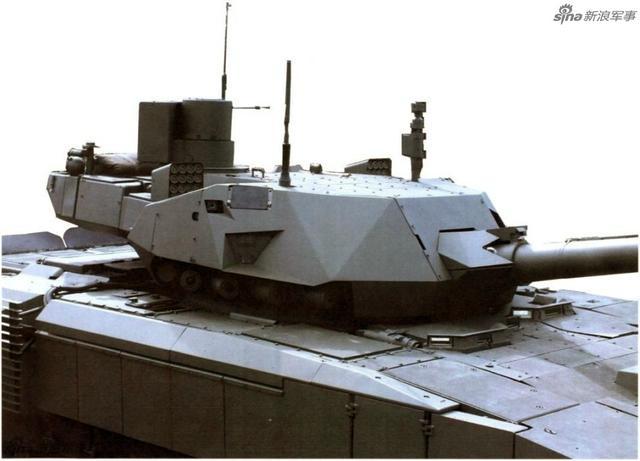 """俄罗斯曝光T-14""""阿玛塔""""坦克乘员舱高清图片。这种俄罗斯称之为次世代的最新型坦克,其内部信息化程度竟比不过中国外贸的VT-4坦克,其真实战斗力不禁让人怀疑。"""